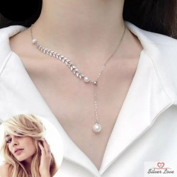 Pearl Touch Necklace